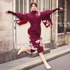 Nouvelle robe cocktail réalisée à partir d'un kimono. Motif original évoquant une nature morte zen.  100% silk