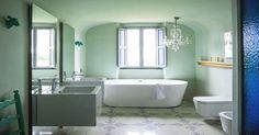 Phòng tắm màu xanh bạc hà tạo cảm giác mát mẻ
