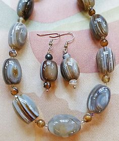 "SHADES OF GRAY AND TAN AGATE bead necklace, earrings 18"" & extender"