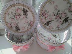 Набор в стиле шебби ` Очарование роз` из 3-х плетенных коробов (размеры 31*16см , 25см*15см, 20см*12см )