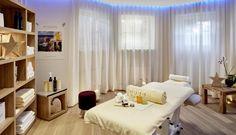GOURMET & SPA DE CHARME HOTEL TENNERHOF *****     BeautybehandlungenMassage & Beautybehandlungen mit karibischen Düften mit der  Kosmetiklinie Ligne St Barth und mit Vinoble, das Beste auf dem Rebstock für die Haut.      #leading #spa #resort #leadingsparesort #indoor #wellness #holiday #tennerhof #kitzbühel #tirol #österreich #tradition #kulinarik #golf #haubenküche #kupferstube #ski #winter #streif #gourmet #austria #jacuzzi #outdoor #sport Wellness Hotel Tirol, Resorts, Jacuzzi Outdoor, Spa, Das Hotel, Modern, Golf, Curtains, Winter