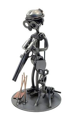 Schraubenmännchen Jäger mit Gewehr und Hund . Metallmännchen Jäger mit Jagdhund Dieses Schraubenmännchen ist als Geschenkidee für einen Jäger oder als Pokal für die