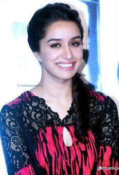 Shraddha Kapoor her smile. Bollywood Images, Indian Bollywood, Bollywood Stars, Beautiful Bollywood Actress, Most Beautiful Indian Actress, Prettiest Actresses, Beautiful Actresses, Indian Celebrities, Bollywood Celebrities