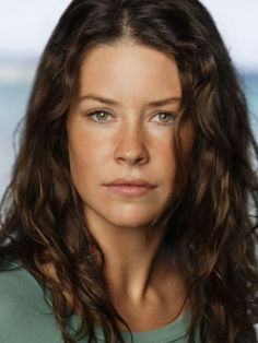 Evangeline Lilly is well known for her participation in the television series Lost as Kate Austen and for the performance of Tauriel in the second and third films of the The Hobbit trilogy. In Ant-Man she is Hope Related Beautiful Celebrities, Beautiful Actresses, Beautiful Women, Nicole Evangeline Lilly, Woman Face, Freckles, Hollywood, Celebs, Hair Styles