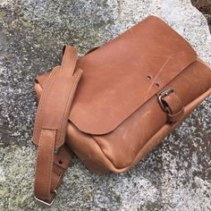Purchase this stylish, multi-purpose Courier Messenger leather bag – made in America with high quality handcrafted from http://www.copperriverbags.com at reasonable prices. Shop now!! #LeatherBag #MessengerBag #LeatherCourierBag #MadeinAmerica