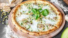 Pizza blanche aux crevettes Pizza Hut, Plateau Charcuterie, Pasta Al Dente, Vegetable Pizza, Quiche, Camembert Cheese, Nutrition, Vegetables, Breakfast