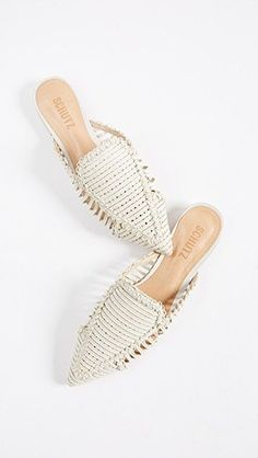 Women shoes Flats Casual – – Women shoes Nike Jordans – Hats For Women 2018 Online Shoes Flats Sandals, Mules Shoes, Wedge Shoes, Latest Shoe Trends, Nike Roshe, Beautiful Shoes, New Shoes, Summer Shoes, Casual Shoes