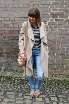 Primark: #Primania Street Style - Trench coat, Breton stripe shirt, cold knee jeans and leopard print shoes.