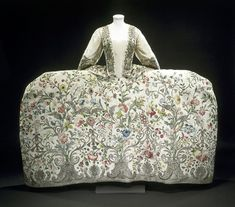 Court dress with Rococo motif.  1740's - Victoria and Albert Museum