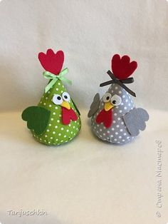 Felt Crafts, Easter Crafts, Fabric Crafts, Sewing Crafts, Christmas Crafts, Sewing Projects, Easy Craft Projects, Diy Crafts For Kids, Chicken Crafts
