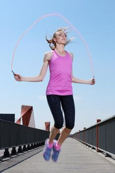 Need a quick workout for a busy day? Try our 10-minute jump roping workout. This jump rope to slim workout burns 135 calories fast and will sculpt your shoulders, chest, arms, and legs.