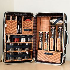 DIY Travel Bar Built Into a Vintage Suitcase | repinned by www.BlickeDeeler.de - BRILLIANT!