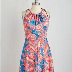"""Modcloth Coconinno by Eva Franco Paisley Dress XL This dress is GORGEOUS but sadly it is too small for me :( Size XL but probably fits more like a L (12 or 10). Called """"Ready, Grilling and Able Dress in Paisley"""" on Modcloth. Waist measurement shown in photo. ModCloth Dresses"""