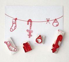 Cette année, pour Noël, vous voulez concevoir vous-même vos cartes de Noël et vos papiers cadeaux sans avoir recours aux traditionnels rubans et emballages cadeaux? Lu loves handmade, peut vous sortir de l'impasse. Façonnez vous-même vos propres tampons et offrez des cadeaux et des cartes aux décors personnalisés. La liste du matériel nécessaire convient parfaitement aux petites bourses et quelques maladresses ne vous empêcheront pas de créer vos tampons de Noël. A vous de jouer !