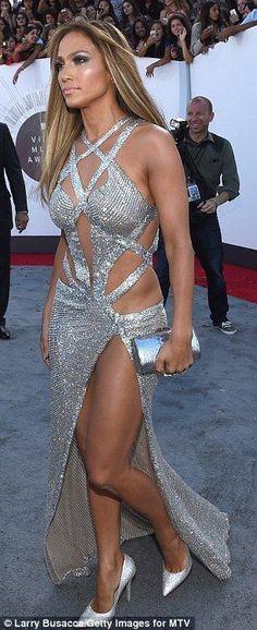 Jennifer Lopez in a Charbel Zoe Dress | 2014 MTV Music Awards
