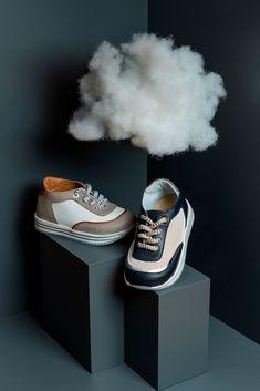 Μοντέρνα δίχρωμα βαπτιστικά sneakers της Babywalker για αγόρια, annassecret, Χειροποιητες μπομπονιερες γαμου, Χειροποιητες μπομπονιερες βαπτισης Pool Slides, Sandals, Boots, Winter, Sneakers, Fashion, Crotch Boots, Winter Time, Tennis