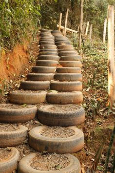 =^.^= Gato de Sapato: Reutilizando pneus velhos