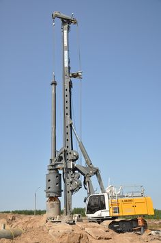 Liebherr - A rotary drilling rig, type LB working close to the arctic circle in Russia Mining Equipment, Heavy Equipment, Oil Rig Jobs, Water Well Drilling, Building Foundation, Drilling Tools, Hydraulic Excavator, Drilling Machine, Vintage Tractors