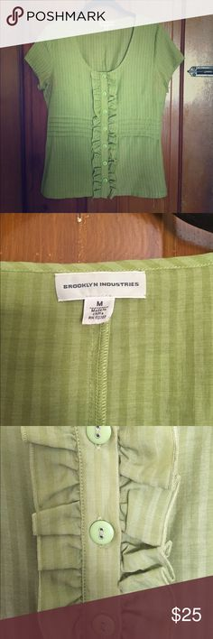 Price Drop BROOKLYN INDUSTRIES Blouse -M Adorable Brooklyn Industries green scoop-neck, button-down blouse. 17 inch bust; 24 inch length. Great condition! Brooklyn Industries Tops Blouses