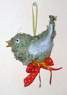 Easter Crafts, Christmas Crafts, Christmas Ornaments, Straw Crafts, Diy Ostern, Easter Eggs, Rooster, Eco Friendly, Birds