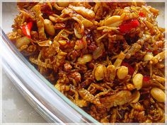 Kering Tempe, Fried Tempe mixed with peanut. My favourite Indonesian food Easy Healthy Recipes, Asian Recipes, Easy Meals, Ethnic Recipes, Sambal Recipe, Mie Goreng, Malay Food, Indonesian Cuisine, Indonesian Recipes