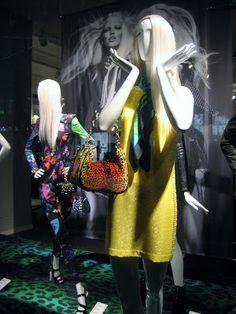 www.retailstorewindows.com: H and M, London