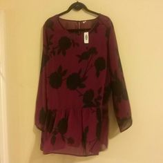Old Navy burgundy black top Sheer fabric Old Navy Tops Tunics