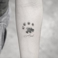 Cat Paw Print Tattoo, Cat Paw Tattoos, Mini Tattoos, Cute Tattoos, Beautiful Tattoos, Tiny Cat Tattoo, Dog Pawprint Tattoo, Tatoos, Pet Memory Tattoos