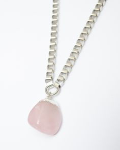 ZOOM collar con piedra rolada | Cuarzo rosa