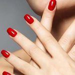 Gel Maniküre: Was ist der Hype? Manicure Gel, Shellac, Indian Makeup And Beauty Blog, No Chip Nails, Red Acrylic Nails, Moon Nails, Beauty Kit, Nail Spa, Smokey Eye Makeup