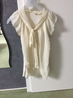5,- Only Bluse in Creme mit Schleife - kleiderkreisel.at