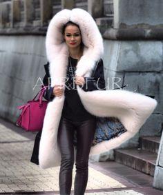 White fur lined parka Fur Lined Coat, Fox Fur Coat, Fur Accessories, Fabulous Furs, White Fur, Fur Fashion, Fur Collars, Fur Trim, Mantel
