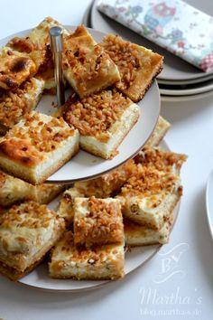 Mailänder Apfelkuchen, Etagere von Bloomingville,  blog.martha-s.de