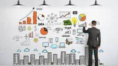 Entrepreneur es ni más ni menos que un emprendedor, una persona que quiere crear su propio negocio o llevar a cabo sus proyectos intentando con esto tener una empresa rentable. Y aunque emprendedor y entrepreneur no son exactamente lo mismo, teniendo en cuenta sus definiciones, podemos relacionarlas íntimamente.
