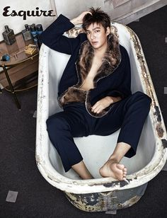 Fall is already looking bright and dare I say, hot and sexy, withLee Min Ho, the ever busy star, gracing the September pages of Esquire Korea.
