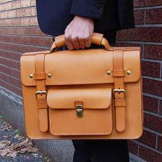 Leather Work Bag, Black Leather Briefcase, Leather Satchel, Vintage Leather Messenger Bag, Custom Leather Belts, Work Purse, Leather Projects, Custom Bags, Leather Accessories
