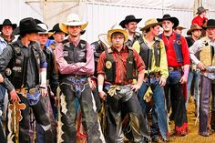 Some people are just famous everywhere! Bull Riding by Al Braunworth, Rodeo Cowboys, Hot Cowboys, Real Cowboys, Cowboy Up, Cowboy And Cowgirl, Bull Riders, Stop Animal Cruelty, Country Boys, 8 Seconds