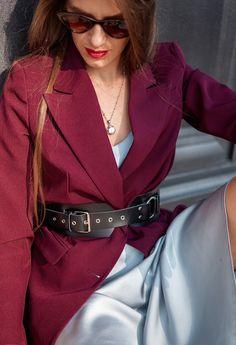Ремень №1. Женский широкий ремень из классической кожи, бордовый асимметричный. ⠀⠀ Ширина пояса 7.5 см.⠀ Стоимость 2990 р. Кожа натуральная Фурнитура:Серебро широкий ремень-широкий пояс-женский ремень-пояс-женские ремни-широкие пояса-кожаные ремни-бежевый ремень-пояс для платья-ремень купить-кожаный ремень-ремень женский широкий-ремень женский купить-женские ремни-ременьизкожи-ремни ручной работы-ремни на заказ