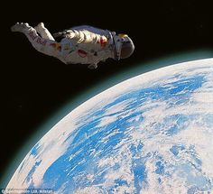 Felix Baumgartner comes back to Earth