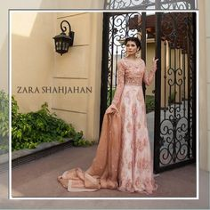 Amna Babar looks ethereal in a beautiful Zara Shahjahan gown. Pakistani Couture, Pakistani Wedding Dresses, Pakistani Outfits, Indian Dresses, Indian Outfits, Kaftan, Desi Wedding Dresses, Walima Dress, Desi Clothes