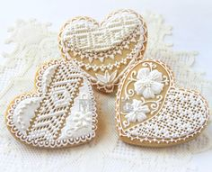 lace heart cookies - so pretty!