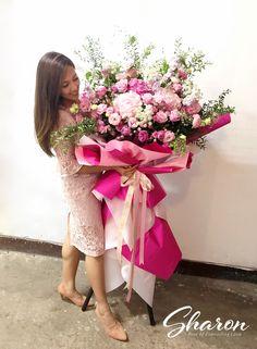 Big Bouquet Of Flowers, Flower Bouquet Diy, How To Wrap Flowers, Valentine Flower Arrangements, Tropical Flower Arrangements, Funeral Flower Arrangements, Church Flowers, Funeral Flowers, Paper Flower Decor