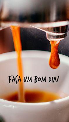 Quem faz o dia melhor é você! Coffee Break, Coffee Time, Snapchat Stories, Good Vibes, Good Morning, Instagram, Tableware, Words, Coffee Poster