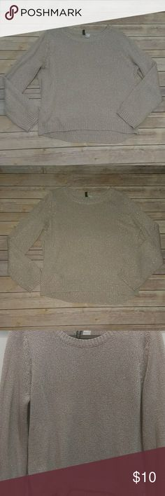 H&M SPARKLY SWEATER Oversized feel Pale pink with glitter flecks Has some pulls H&M Sweaters Crew & Scoop Necks