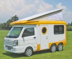 Honda N-Truck plus other whacky stuff from Japan Camping Car Show Truck Camper, Mini Camper, Camper Caravan, Camper Trailers, Camper Van, Camper Life, Cool Campers, Rv Campers, Micro Campers