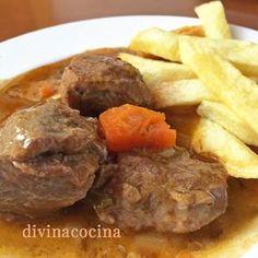 Esta receta de carrillada en caldereta se puede preparar con carne de cerdo (mejor ibérico) o de ternera. Es tradicional, y puedes dar tu toque personal.
