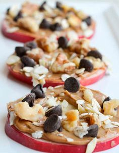 cookies Apple cookies with peanut butter, pecans, coconut and chocolate chips.Apple cookies with peanut butter, pecans, coconut and chocolate chips. Healthy Treats, Healthy Desserts, Dessert Recipes, Snacks Recipes, Healthy Apple Snacks, Easy Recipes, Healthy Recipes, Pizza Fruit, Apple Cookies