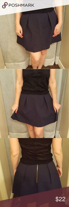 Sale ⭕Cute skirt⭕ Cute medium lenght skirt, perfect for office job  Dark blue color  Material is thick and worm, perfect for cool fall or winter time with beautiful tights.  Medium size Mango Skirts Midi