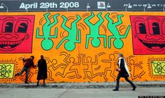 explore street art in nyc   a pocket map from huffington post