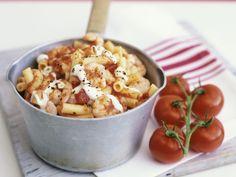 Macaroni met tomaat-garnalensaus - Libelle Lekker!